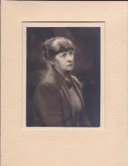 Yvonne Gregory (1889-1970), photographer: Stella Gibbons